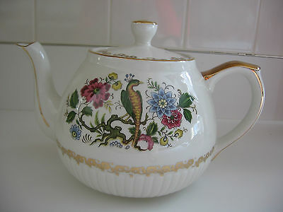 Ellgreave 6-cup teapot with pheasant design