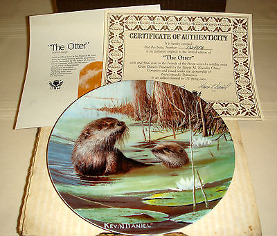 KEVIN DANIEL Friends Of Forest Keen Cautious Land & Water Animal THE OTTER Plate