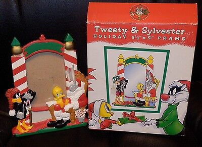 WB Holiday Picture Frame Bugs Bunny Tweety & Sylvester Warner Bros MIB Resin