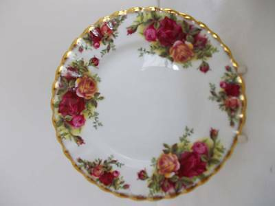 ROYAL ALBERT OLD COUNTRY ROSES LUNCH - SALAD PLATE