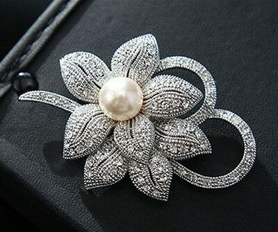 Gorgeous Vintage Inspired Silver  Plated Crystal And Ivory Pearl Classic  Brooch