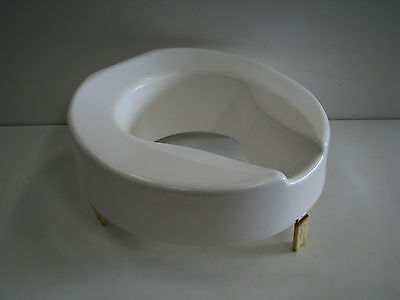 Ashby Raised Toilet Seat - 100mm 4""