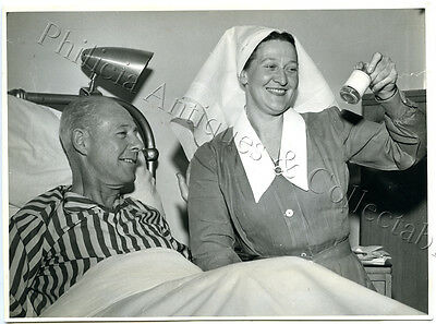 1950's Photo Jack Davey In St Luke's Hospital After Motor Scooter Accident Z8