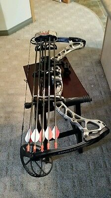 Single cam Compound bow ( Diamond Archery by Bowtech )