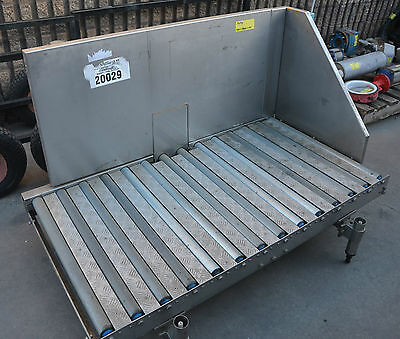 Stainless construction powered roller conveyor 750 x 1450mm