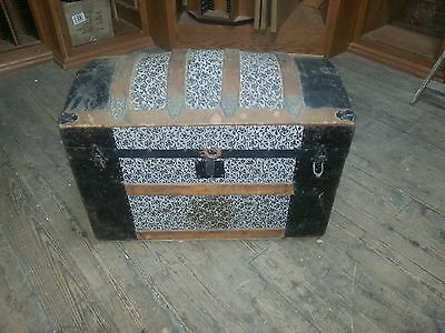 Antique Dome Top Steamer Trunk w Insert   Top is Loose OLDIE