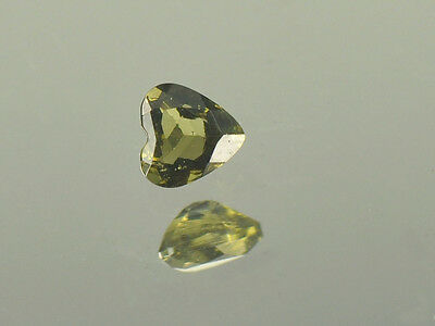 0.15cts heart 4mm moldavite faceted cutted gem BRUS958