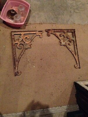 One Pair Iron Sink Bracket As Found Condition