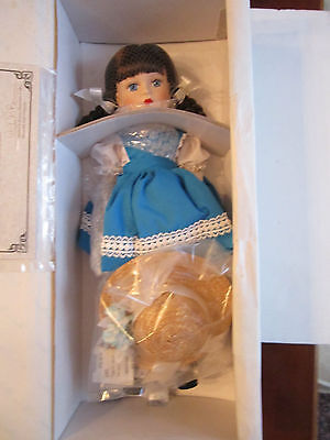 """Madame Alexander """"margaret Anne"""" 90100 - Coa - New In The Box - 16"""" Long"""