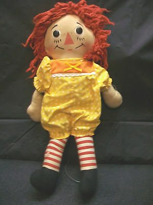 "15""  RAGGEDY ANN CLOTH DOLL YARN HEAD BUTTON EYES WITH HEART VINTAGE COLLECTIBLE"