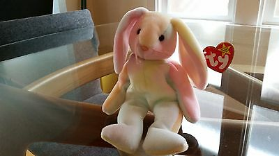 'Hippy' the Bunny - Ty Beanie Baby - MINT - RETIRED