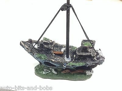 Aquarium Ship Wreck Boat For Marine Tropical Aquarium Decoration