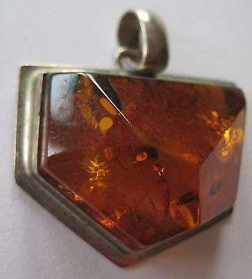 BOLD VINTAGE STERLING SILVER RUSSIAN BALTIC HONEY AMBER PENDANT ARTISAN 8.7 GR