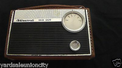 Vintage Solid State ELECTRA Transistor Radio Carrying Case w/handle Battery Op