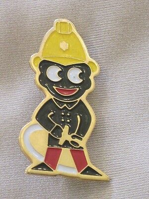 Robertsons Golly badge fireman with hose flush to body