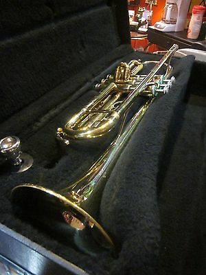 Used Holton by Leblanc T602 Student Trumpet w/ Case & Vincent Bach 7C MP  211268