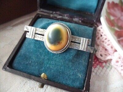 ANTIQUE VINTAGE STERLING SILVER OLD BAR BROOCH PIN with CATS EYE OPERCULUM SHELL