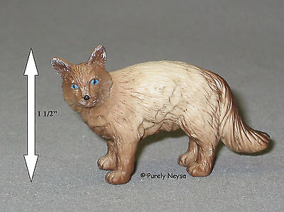 Safari Himalayan Cat  from bulk package 1 1/2 inches high domestic  NEW