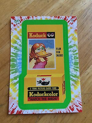 2008 WACKY PACK FLASHBACK 1 PACKAGES GREEN PARALLEL STICKER KODUCK 19 FILM 70S