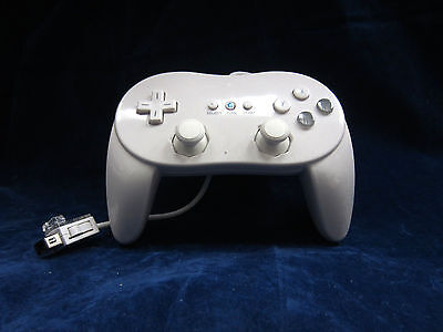 Old Skool Dual Analog Classic Controller Pro for Nintendo Wii / WiiU - White