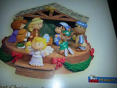 HALLMARK Keepsake 2006 THAT'S WHAT CHRISTMAS IS ABOUT CHARLIE BROWN Peanuts Gang