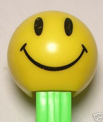 WALMART SMILEY FUNKY FACE PEZ GREEN STEM 4.9 LOOSE