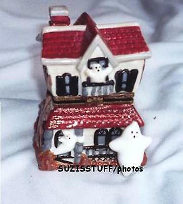 HAUNTED HOUSE-Porcelain HInged-Box-with BIG GRANDDADDY GHOST & HIS RELATIVES