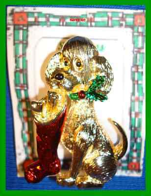 Christmas PIN #0332 VTG Gerrys Dog Hold Red Stocking Mouth Goldtone Holly Collar
