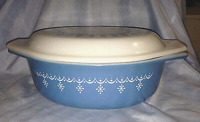 Pyrex Snowflake Blue Garland Oval Casserole 043 1 1/2 Qt with Opal Lid Vintage
