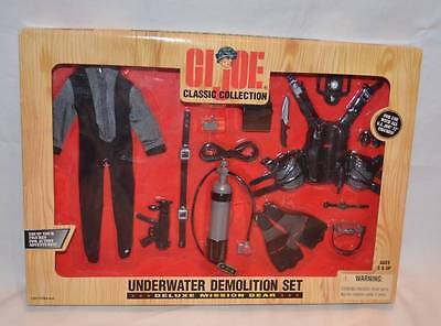MISB GI Joe Classic Collection Underwater Demolition Set Deluxe Mission Gear