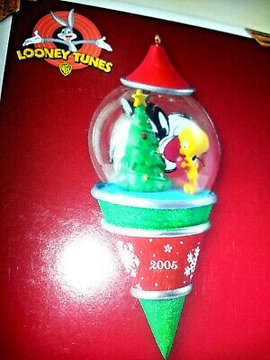 HALLMARK Ornament 2005 PEEK-A-BOO SYLVESTER AND TWEETY BIRD Looney Tunes NEW
