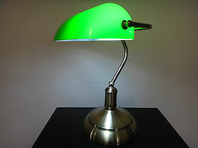 Classic Green Bankers Desk Lamp On cord Switch Vintage Antique Style Table Light