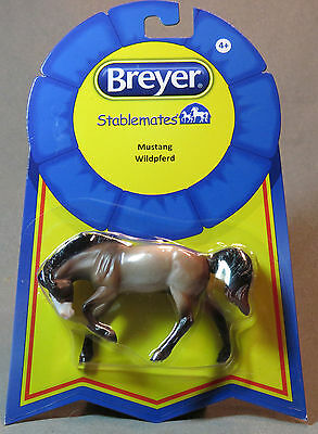 Breyer Stablemate Mustang stablemates horse # 6030 1:32 scale New for  2015