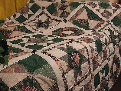 GREEN,WHITE,PINK PATCHWORK QUILT BEDSPREAD,100X92,DOUBLE,STAR DESIGN