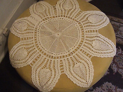 """VINTAGE LACE KNITTED STAR DESIGN WHITE DOILY,TABLE COVER,24""""STAR TO STAR"""
