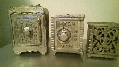 1900s KENTON Lot of 3 CAST IRON Coin Star SAFE BANK ANTIQUE VINTAGE METAL penny