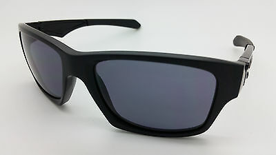 NEW Oakley Jupiter Squared Sunglasses Matte Black Grey AUTHENTIC OO9135-25 NIB