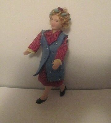"""Porcelain Lady Doll With Curlers In Hair 5 1/2"""" Tall Scale 1:12 Dollhouse Size"""