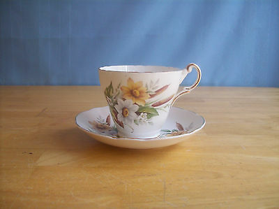 Regency Bone China White & Yellow Flowers And Cattails Teacup & Saucer England