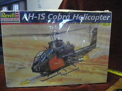 VINTAGE 1986 MONOGRAM AH-1S COBRA ATTACK HELICOPTER 1/48 SCALE MODEL KIT