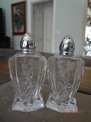 Vintage Crystal Clear Etched Salt & Pepper Shakers~1930s-1940s~Gorgeous Design!