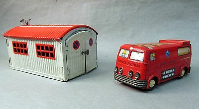 """1950's Joustra 5.5"""" POMPIERS FIRE TRUCK & mechanical STATION tin plate litho"""