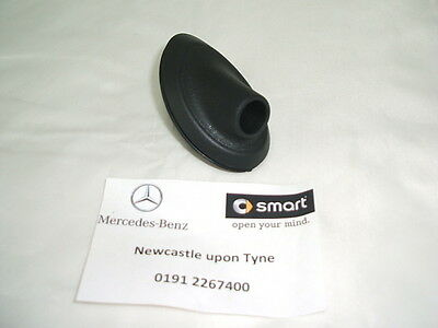 Genuine Smart (452) Roadster Black Plastic Antenna Base Q0013787V003 NEW
