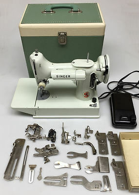 1964 Singer FeatherWeight Sewing Machine Model 221K 221 K with accessories