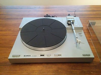 Yamaha P-550 turntable with AT90 cartridge