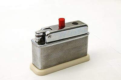 Vintage  BARCLAY  TABLE  LIGHTER   1950's      Made in  England