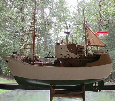 Vintage Portuguese fishing trawler, boat model. Local Pick up only.
