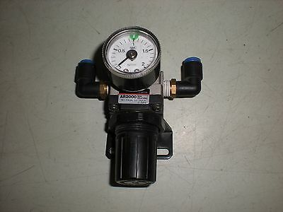SMC Model AR2000 Air Line Regulator with Mounting Bracket and Gauge
