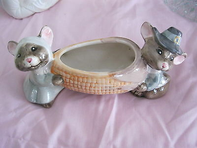 Vintage MOUSE AND CORN PLANTER  - REAL CUTE
