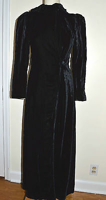 ANTIQUE VINTAGE LONG EDWARDIAN BLACK VELVET EVENING COAT LINED FITTED BEAUTIFUL!